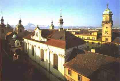 http://farnosthk.wbs.cz/katedrala_-venku.jpg